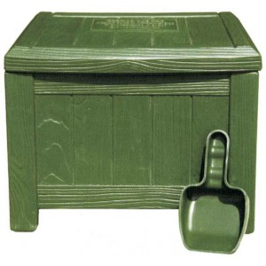 Plastic Divot Box - Green - Complete With  Scoop